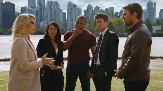 """Who's Super Selfish Here?"""": Oliver and Felicity, WestAllen Wedding"""